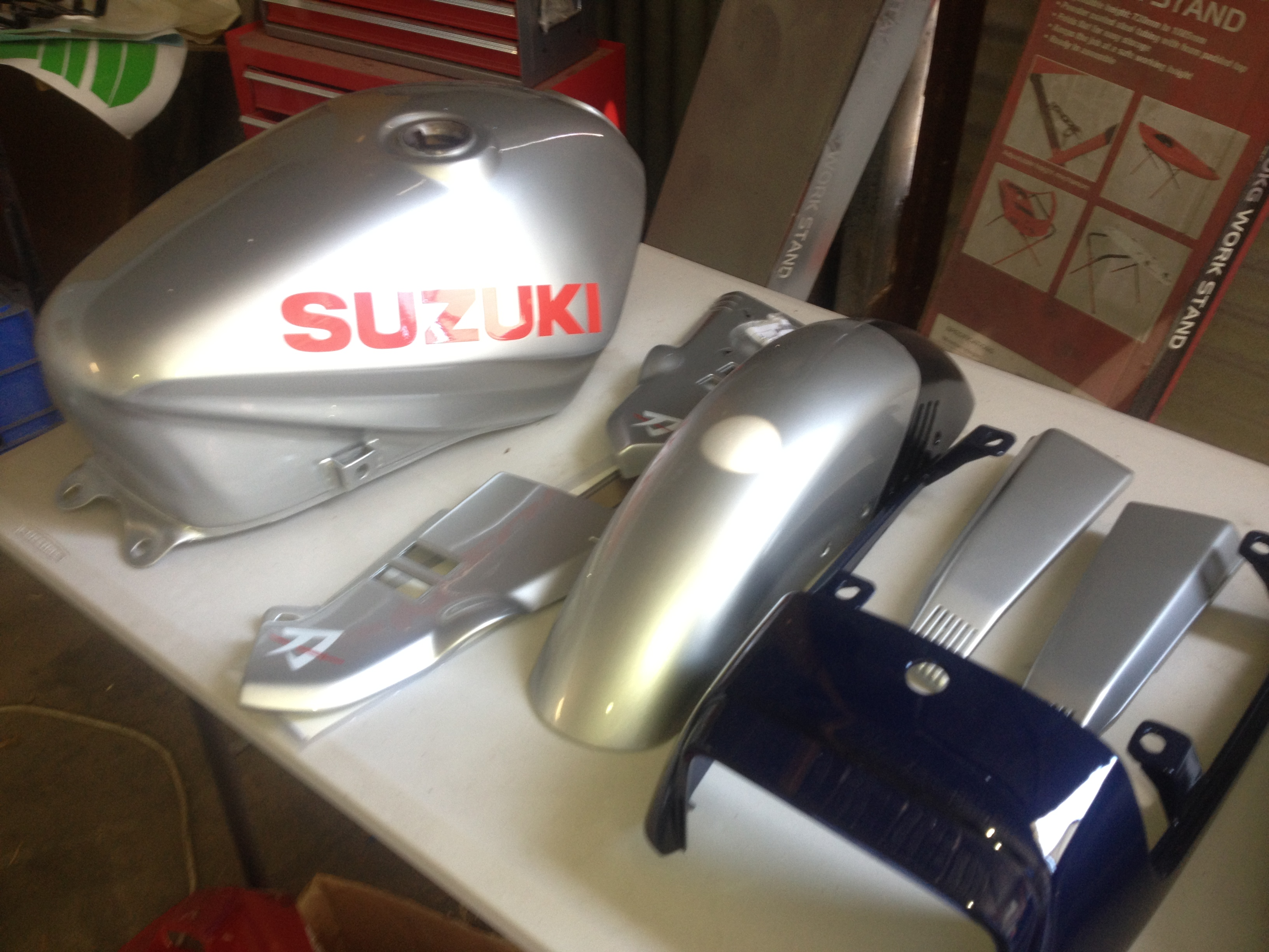 Vintage suzuki katana para la venta